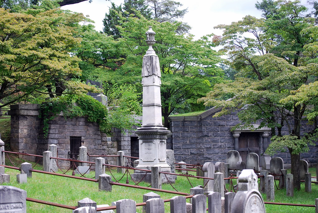 Gravestones in Sleepy Hollow Cemetery