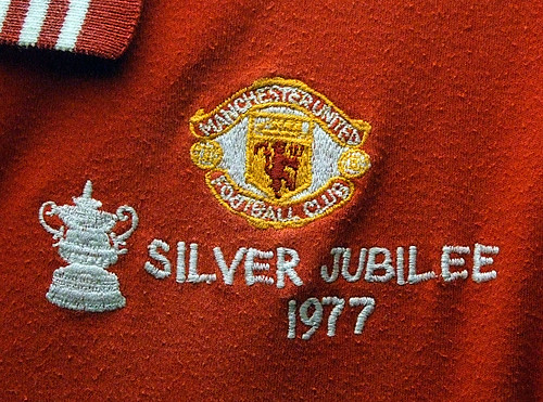 Manchester United 1977 FA Cup Final badge