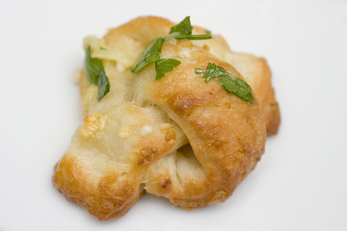 Garlic Knot 2