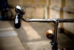Kin Cambridge Bike Shot ( Rob H ) Tags: cambridge rust arty bell pinkfloyd kin nikond80