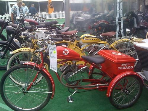 whizzer motorized bicycles whizzer motorized 3 wheeled motor bikes. Black Bedroom Furniture Sets. Home Design Ideas