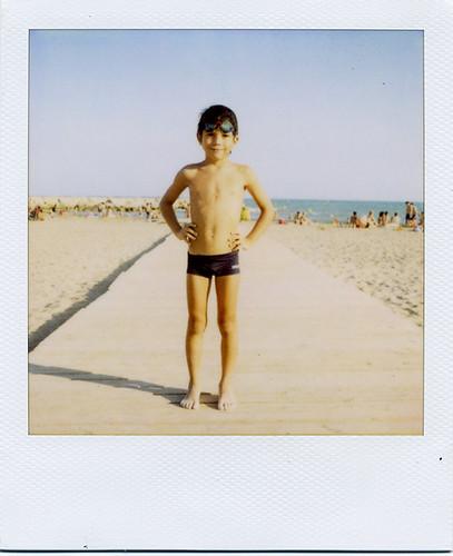 Días de playa 09 [18] · El nadador
