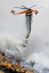 Water drop on the Station fire (Eric Wolfe) Tags: usa fire losangeles waterdrop smoke flames nationalforest helicopter southerncalifornia emergency firefighters burned brushfire wildfire calfornia sunland stationfire airsupport lacfd
