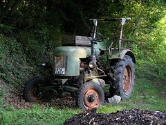 space tractor! (Frankenstein) Tags: tractor germany bavaria andechs fendt