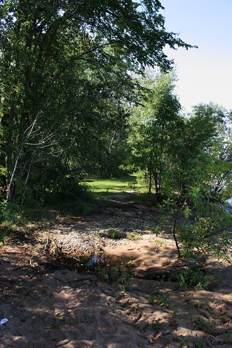 Tidal pool and path at Dorothy Lake