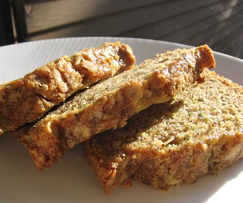 Lori's zucchini bread - veganised