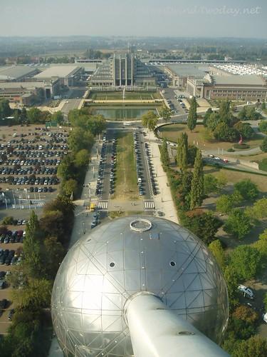 Atomium 002
