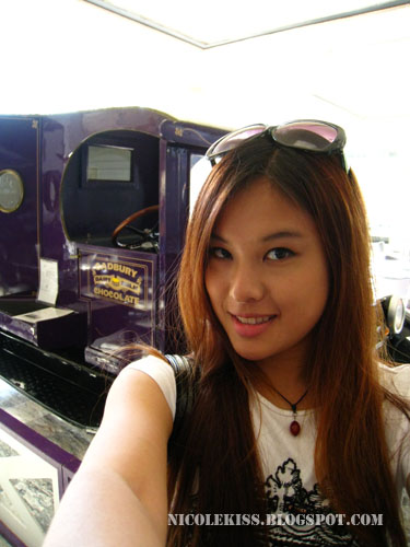 nicolekiss and chocolate cadbury car