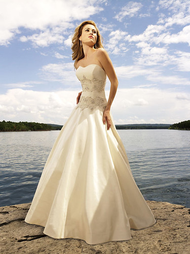 Romantic with a beautiful waist dress.