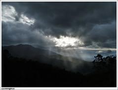 Sunrays near Kampung Kelawat, Tamparuli Sabah (sam4605) Tags: sun nature landscape scenery kampung jalan bypass sunray pemandangan matahari tamparuli ranau lanskap kotabelud sam4605 ranaubypass kelawat