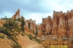 Queens Garden Trail (jb10okie) Tags: park travel vacation usa fall utah nps trails 2006 bryce brycecanyon nationalparks brycecanyonnationalpark
