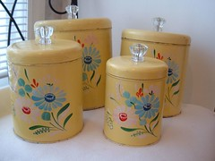 Ransburg handpainted toleware canisters (Im So Vintage) Tags: kitchen vintage housewares handpainted homedecor yellowflowers canisters ransburg toleware glassknobs retrokitsch etsyvintageteam imsovintage