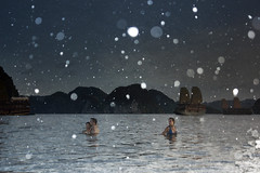 Magic Vit Nam (yeryi) Tags: travel viaje summer water night swim asian boat nikon asia barca barco ship barcos magic ships d70s unesco vietnam viajes bahia verano bao halong nam halongbay quangninh vit krstico vnhhlong repblicasocialistadevietnam krsticos