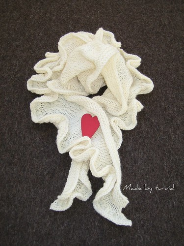 Ruffles scarf