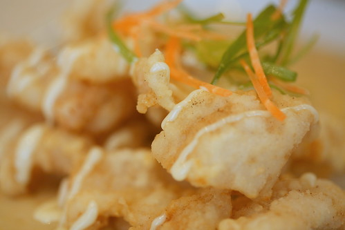 lightly coated fish fillet with milky sweet corn sauce