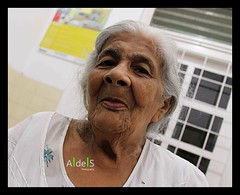 Grandma of the house! (Ashan de Silva) Tags: old grandma portrait woman lady canon angle grandmother wideangle explore portraiture srilanka aged 1855mm granny canondslr graceful سكس canoneos500d canon1855mmis ashandesilva canoneosrebelt1i