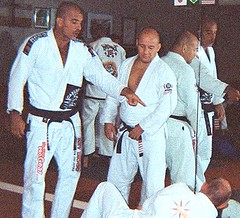 Diogo & Carlson Gracie Jr. instruct at their seminar in Seattle on 22 August 2009