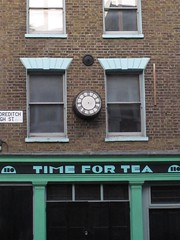 IMG_3037 (indy_slug) Tags: london timefortea brokenclock shoreditchhighst