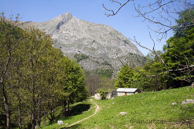 paesaggio montagna cuneo piemonte italia