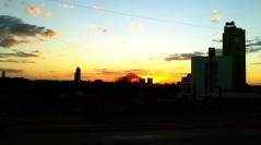 Goiânia sunset_02 (victorcamilo) Tags: road street sunset brazil sol brasil do rua goiânia trânsito goiás pôr victorcamilo