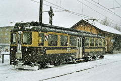 CH BOB 305 Interlaken 06-02-2003 (peters452002) Tags: railroad travel train schweiz swiss bob eisenbahn rail railway zug bahnhof trains sbb etrain bahn railways interlaken trein railroads spoor spoorwegen switserland treinen zwitserland cff sbbcffffs jalalspagestransportationalbum peters452002 bob305