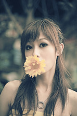 090214-005 (`Kevin WangWANG CHI WEN)) Tags: girl canon photography eos photo photos 5d  2009            atomicaward