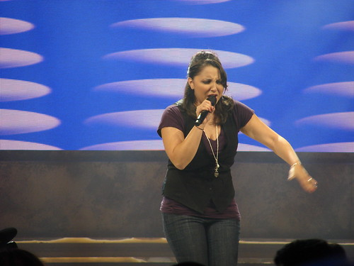 Alayna Rivera sings 'Respect'.  Photo by Mark Goldhaber.