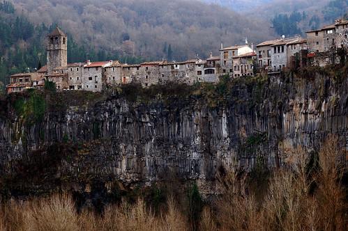 Catalunya: Castellfollit de la Roca