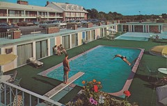 Hearthstone Motor Inn - Seekonk, Massachusetts (The Pie Shops Collection) Tags: vintage massachusetts motel swimmingpool aaa 1965 motorinn seekonk hearthstone 1958cadillaccoupedeville 1967pontiac