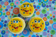 SpongeBob Squarepants cupcakes (pink_apron) Tags: yellow cupcakes spongebob cartoons spongebobsquarepants fondanttopper cartooncharactercupcakes