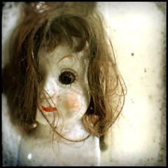 The other side (Aaltra) Tags: toy doll voigtlander artdoll arttoy notrealpeople ttv throughtheviewfinder