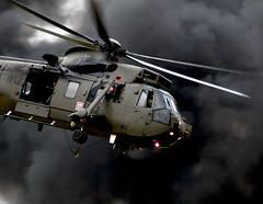 [フリー画像] [航空機/飛行機] [軍用ヘリ] [ヘリコプター] [シーキング]       [フリー素材]