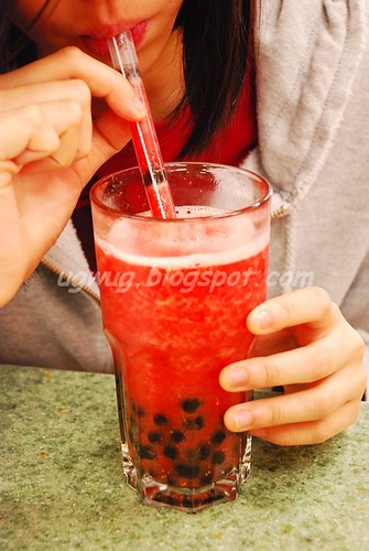 Strawberry Ice Blend with Tapioca Balls