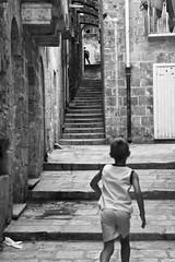 Wait! [Taranto vecchia 2009] (Luca Napoli [lucanapoli.altervista.org]) Tags: street blackandwhite streetphotography keep puglia biancoenero taranto keep2 keep3 keep4 keep5 keep6 keep7 keep8 keep9 keep10 tarantovecchia candidstreetphotography lucanapoli seebw