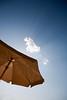 Sortez couverts (mll) Tags: ciel parasol nuage marche piscine lightroom aat gers creve marche2 marche3 congratsonexplore été2009 crève2 marche5 marche4 polarisationgrandangulairenative lacrèmedesparasols cestantoinequiladit 9ruwrud2a9recumadre9a caxup7cr