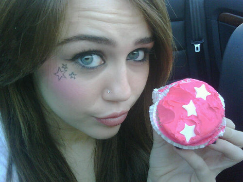 miley twitter pastelitos
