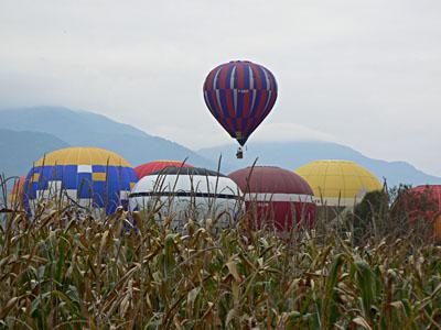 1 montgolfière s'envole.jpg