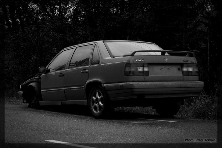 Volvo 850 dumped 2