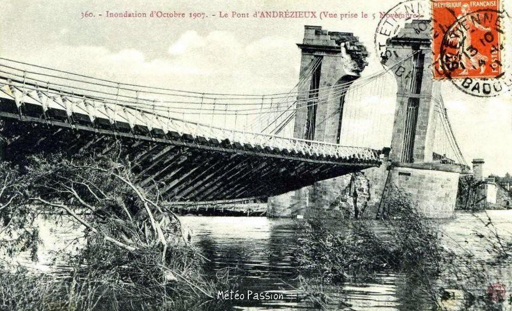 pont d'Andrézieux détruit par la crue de la Loire le 17 octobre 1907