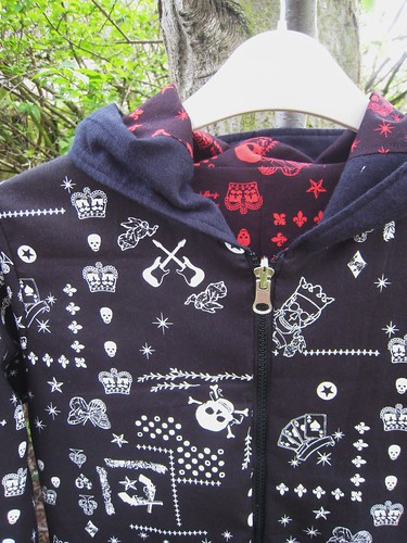Pirate hoodie- neck detail