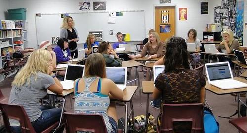 【纽约时报】在课堂上安静地表达观点—用社交媒体