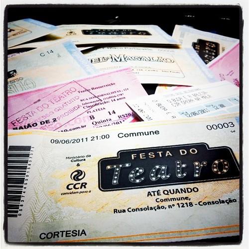 Promoção para animar os blogueiros com a #FestaDoTeatro - os 3 melhores posts ganham pares de ingressos