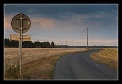 On the road (Florent Bouckenooghe) Tags: road cloud france landscape nikond70 route ciel nuage paysage tw panneau fra champ 50mmf14 oise poteaulectrique andeville dsc6342nef