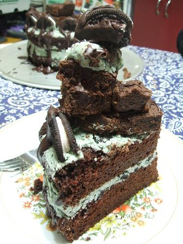 browniechunkmintcookiesncreamcake 023