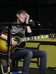 Tegan & Sara @ Easy Street Records, 2007 (Simon Kranefuss) Tags: seattle music nikon livemusic easystreetrecords tegansara coolpixl12