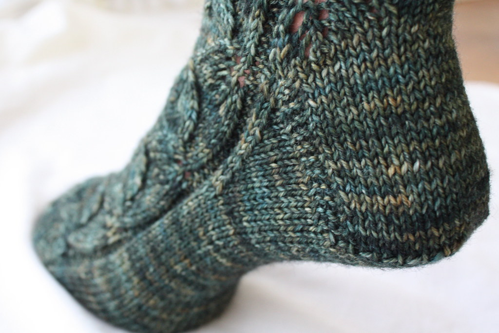 Woodland Embossed Leaves Socks