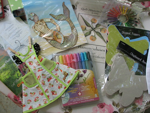 Giveaway! To Celebrate Aprons!
