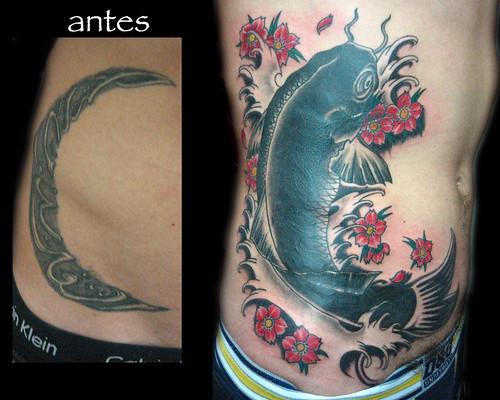 tatuaje tapado carpa japones Pupa Tattoo Granada