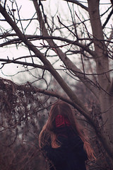 (*Nishe) Tags: red tree gloves hiding redhair earlyspring