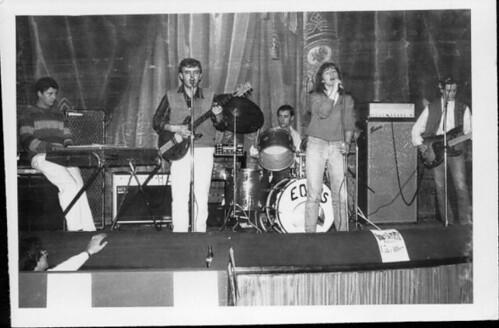 El grup Equus, sobre l'escenari, l'any 1984.-